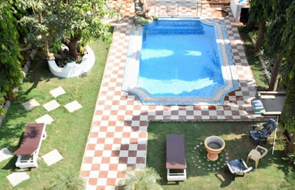 Candolim Guest House With Pool, GHG019 Goa